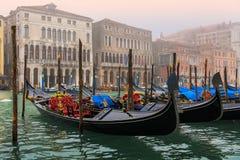 Kanałowy grande w Wenecja, gondole Zdjęcia Stock