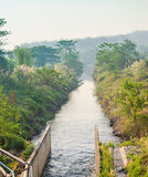 Kanał w wsi Zdjęcie Royalty Free