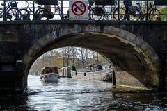 Kanały i mosty Amsterdam Obrazy Royalty Free