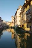 Kanaal in Annecy stock foto's