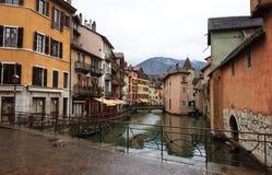 Kanaal bij Annecy stad Royalty-vrije Stock Afbeeldingen