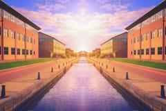 Kanaal bij zonsondergang in Stockton op T-stukken, North Yorkshire Royalty-vrije Stock Foto