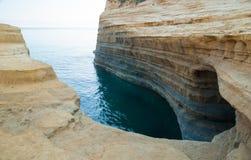 Kanaal d'amour Sidari, het Eiland van Korfu in Griekenland Kanaal van liefde royalty-vrije stock afbeeldingen