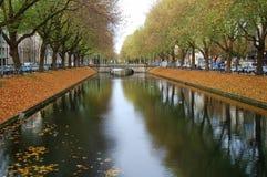 Kanaal in de herfst Royalty-vrije Stock Afbeeldingen