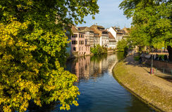 Kanaal in de Oude Stad van Straatsburg - Frankrijk Stock Foto