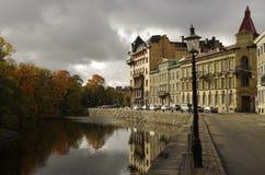 Kanaal en Autumn Colours, Gothenburg Zweden royalty-vrije stock afbeelding