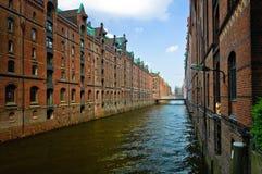 Kanaal in Hamburg Stock Afbeeldingen