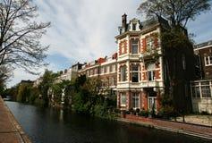 Kanaal met historische huizen Royalty-vrije Stock Afbeelding