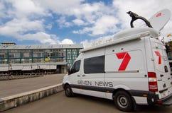 Kanaal 7 nieuws buiten het uitzenden bestelwagen bij Werfterrassen, Sydney Cove, Woolloomooloo stock afbeeldingen