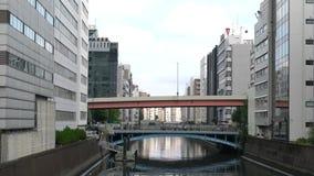 Kanaal in Tokyo de stad in stock videobeelden