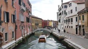 Kanaal in Venetië stock footage