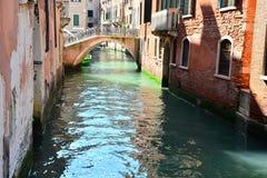 Kanaal in Venetië, Italië Stock Foto's
