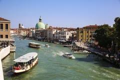 Kanaalcityscape in Venetië, Italië stock foto's