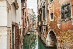 Kanaalstraat in Venetië Stock Foto's