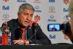 Kanada fotbollMen's medborgare Team Head Coach Octavio Zambrano Royaltyfri Bild