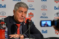 Kanada fotbollMen's medborgare Team Head Coach Octavio Zambrano Arkivfoton