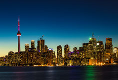 Kanada 150! Toronto vid natt Royaltyfri Foto