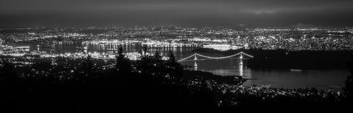 Kanada, Vancouver - panorama od Cyprysowej góry Pokazuje lwom brama most Fotografia Royalty Free