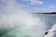 Kanadensare (fryste) Niagara Falls, arkivfoton