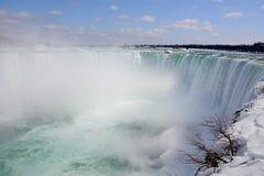 Kanadensare (fryste) Niagara Falls, royaltyfria foton