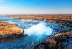 Kanadensare Niagara Falls f?r flyg- sikt royaltyfria foton