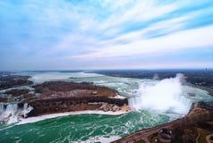 Kanadensare Niagara Falls f?r flyg- sikt royaltyfri bild
