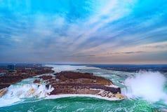 Kanadensare Niagara Falls f?r flyg- sikt arkivbilder
