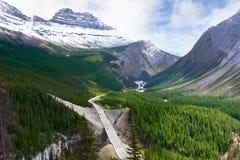 kanadensisk icefieldsgångalléväg rockies Royaltyfri Fotografi