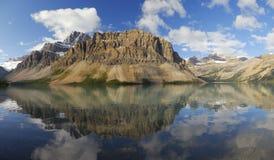 kanadensisk lake rockies för bow arkivbilder
