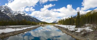 kanadensisk majestätisk rockies plats Arkivfoto