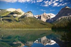 kanadensisk smaragdlake rockies Royaltyfri Foto