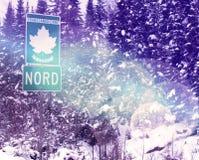 Kanadensisk väg norr Quebec för trans. Arkivfoton