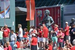 Kanadensiska fans ankommer till BC Place Stadium Royaltyfri Fotografi
