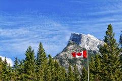 Kanadensiska steniga berg Royaltyfri Fotografi