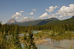 Kanadensiska steniga berg Arkivbild