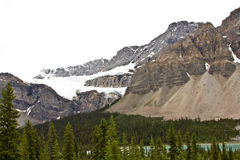 kanadensiska steniga bildandeisberg fotografering för bildbyråer