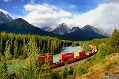 Kanadyjczyk Pacyficzna kolej, pociąg towarowy obrazy stock