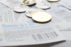 Kanadyjscy oszczędzanie talony z pieniądze obraz stock