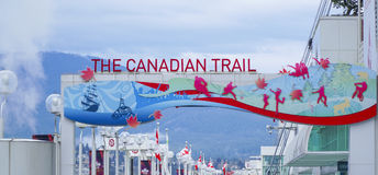 - 12, 2017 Kanadyjski ślad przy Kanada miejscem w Vancouver, VANCOUVER, KANADA, KWIETNIU - Zdjęcie Stock