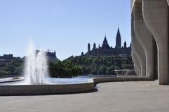 Kanadyjski muzeum historia parka fontanna od Ottawa w Kanada zdjęcie stock