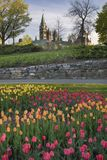 Kanadyjski parlament podczas tulipanu festiwalu obrazy stock