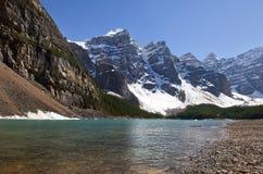Kanadyjskie Skaliste góry i glacjalny jezioro Obrazy Royalty Free