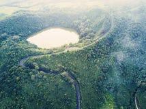 Kanaka在毛里求斯的海岛上的火山火山口鸟瞰图  库存照片