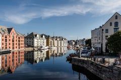 Kanal in Alesund Norwegen Lizenzfreie Stockbilder