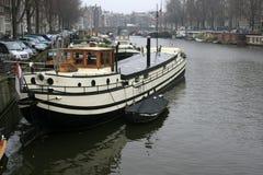 Kanal in Amsterdam Lizenzfreie Stockbilder