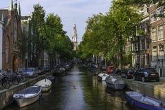 Kanal in Amsterdam Stockfotos