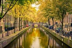 Kanal in Amsterdam stockbilder