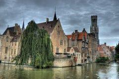 Kanal av Bruges, Belgien Arkivfoton