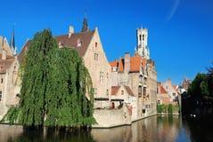 Kanal av Bruges, Belgien royaltyfria bilder