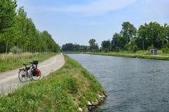 Kanal Bacchelli Cremona, Lombardy, Italien fotografering för bildbyråer